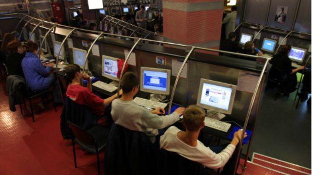 12% من الروسيين جاهزون للتخلي التام عن الإنترنت.